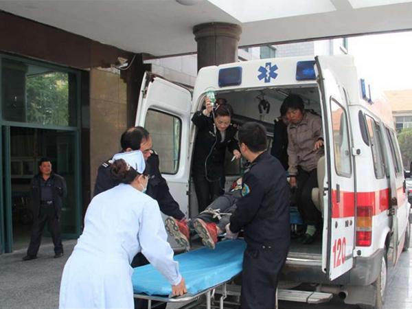 救护车接送